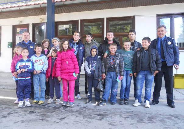 granicna policija i djeca